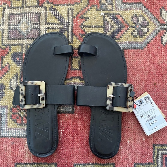 NEW Zara sandals with tags still on (size 38)
